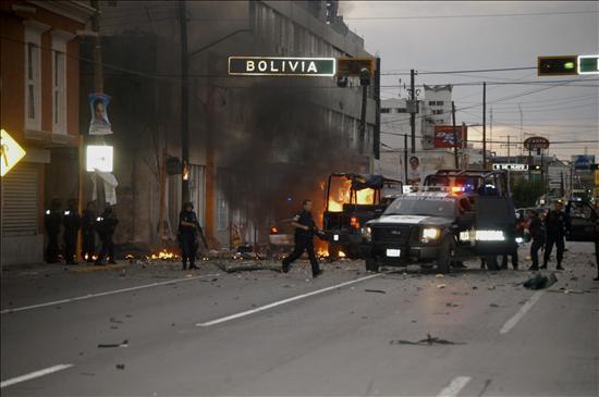 PATRULLAS EXPLOTAN DE LA PFP Ataque+terrorista+en+juarez+por+la+linea