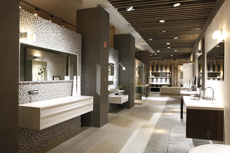 Gunni trentino abre un nuevo showroom en barcelona for Showroom banos y cocinas