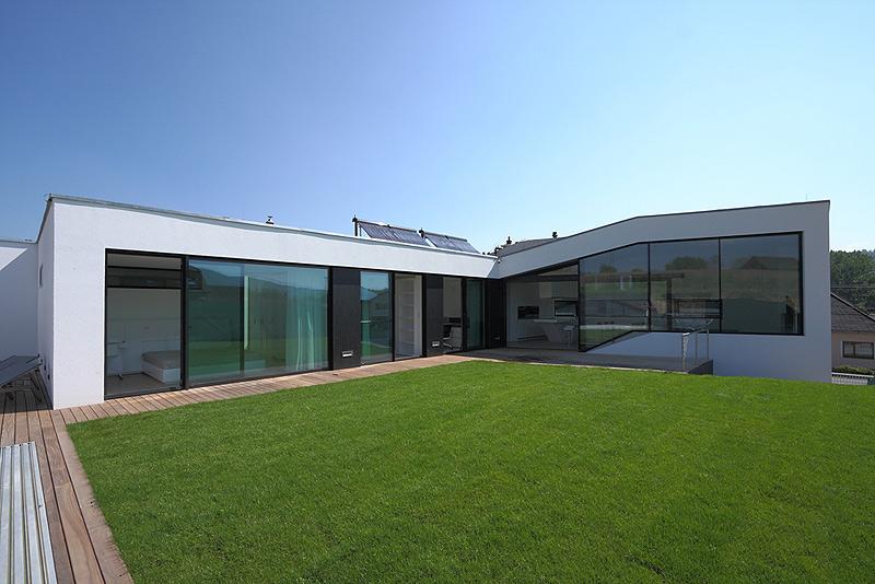 Casa minimalista en eslovaquia de paul ny hovorka architekti for Casa minimalista un nivel