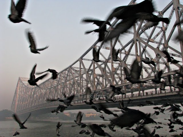 Howrah Bridge of Kolkata photography by Sukalyan Chakraborty