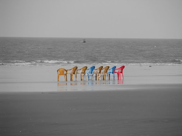 United We Sit, West Bengal by travel photography by Sukalyan Chakraborty