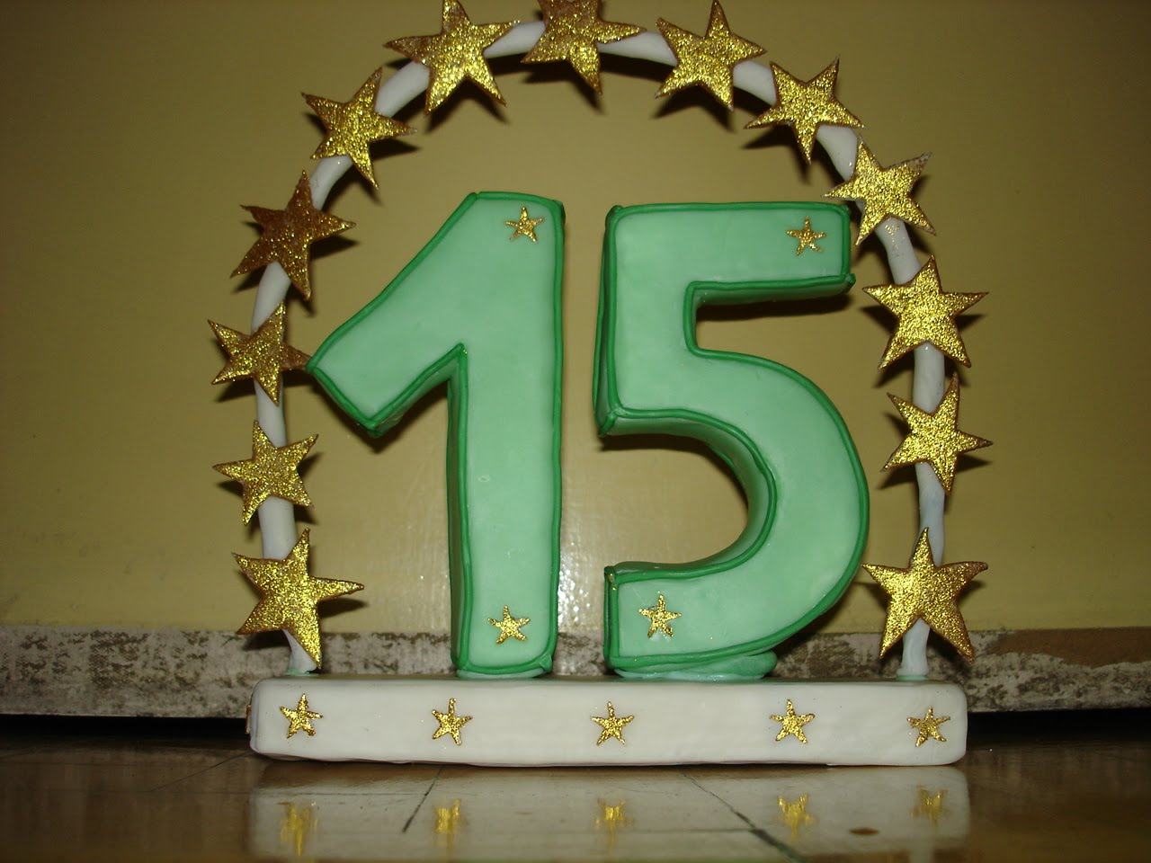 rebel-art creaciones: Adornos de torta para 15 años