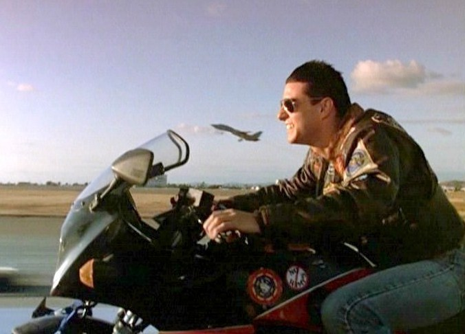 tom cruise top gun. tom cruise movies list 2010.