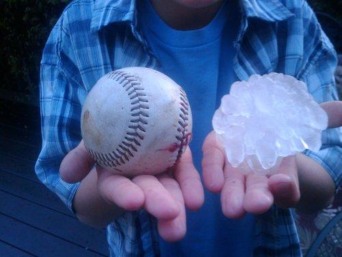 [Image: Baseball+size+hail.jpg]