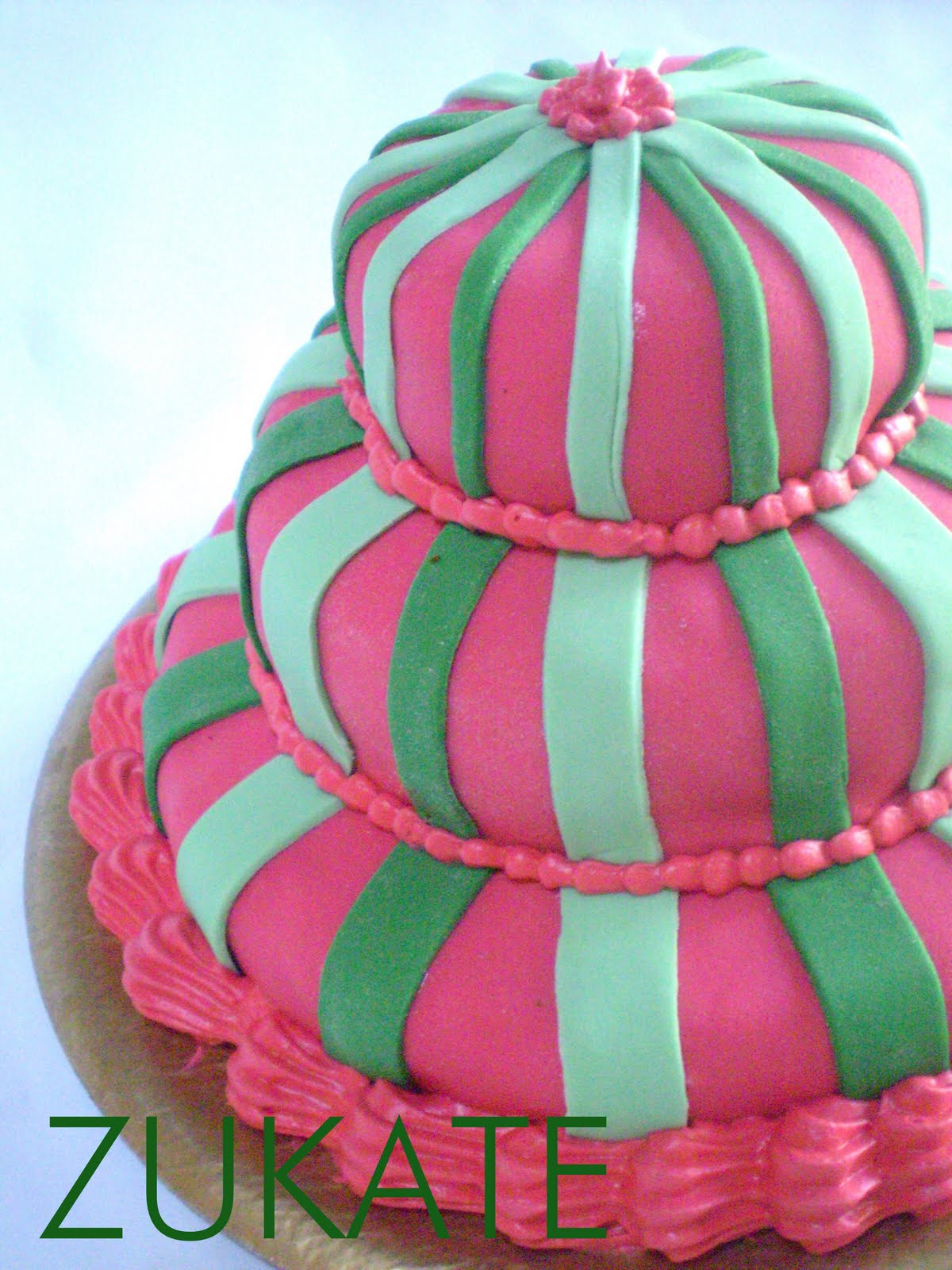 TORTA MINI DECORADA CON FONDANT