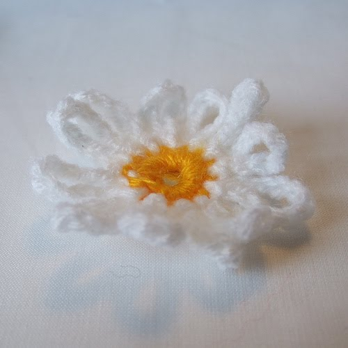 Craft Attic Resources: Knit and Crochet Flowers
