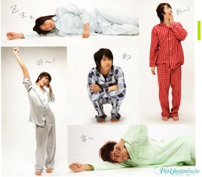 http://2.bp.blogspot.com/_vu9uqzISxb0/Spd3hUgbUxI/AAAAAAAABA0/K053j2hxDB0/s400/ss501+pajamas.jpeg