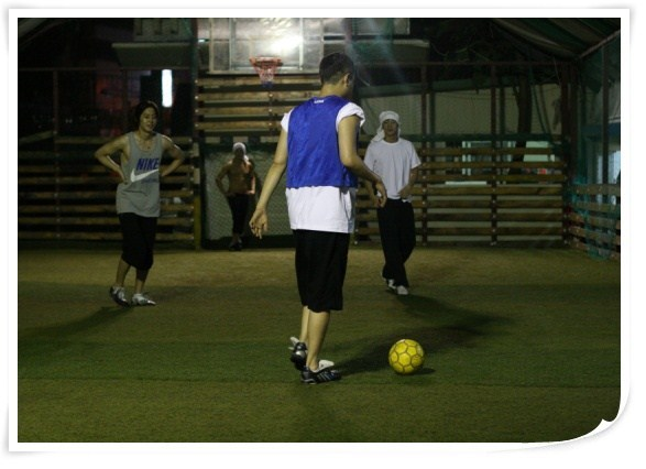 http://2.bp.blogspot.com/_vu9uqzISxb0/TEj1pwqwtcI/AAAAAAAAMJ4/cvdvkhSqQUo/s1600/hjl_football_01-2.jpg