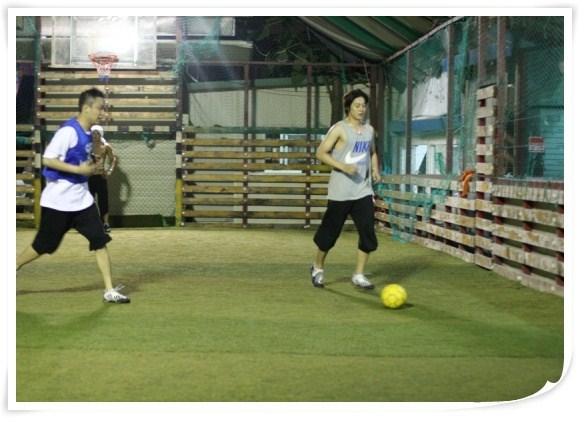 http://2.bp.blogspot.com/_vu9uqzISxb0/TEj1qBP_SII/AAAAAAAAMKA/28quTo_8BtU/s1600/hjl_football_02-2.jpg