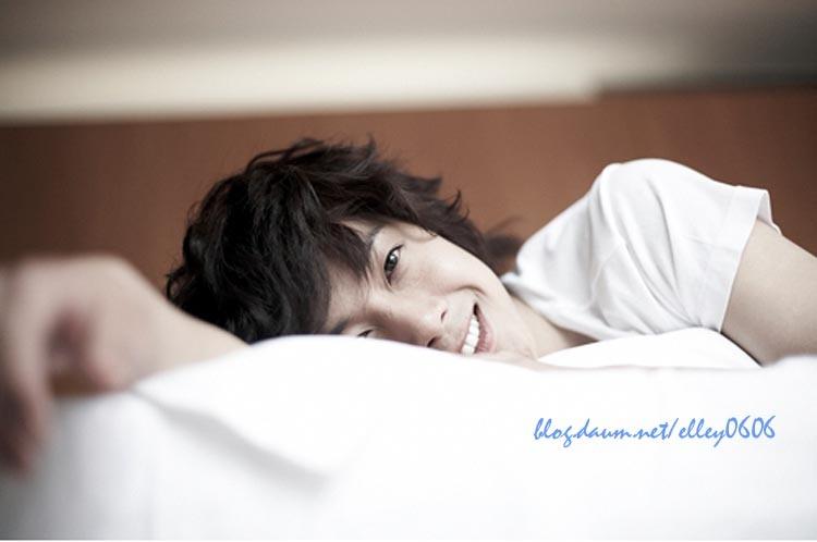http://2.bp.blogspot.com/_vu9uqzISxb0/TFr0aIJx_KI/AAAAAAAAMlw/ZUvEmc1WyBg/s1600/kim+hyun+joong.jpg