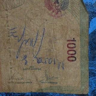 [Image: uang+1000+-+tanda+tangan+2.jpg]