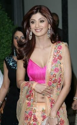 Shilpa Shetty in sexy saree alpha women