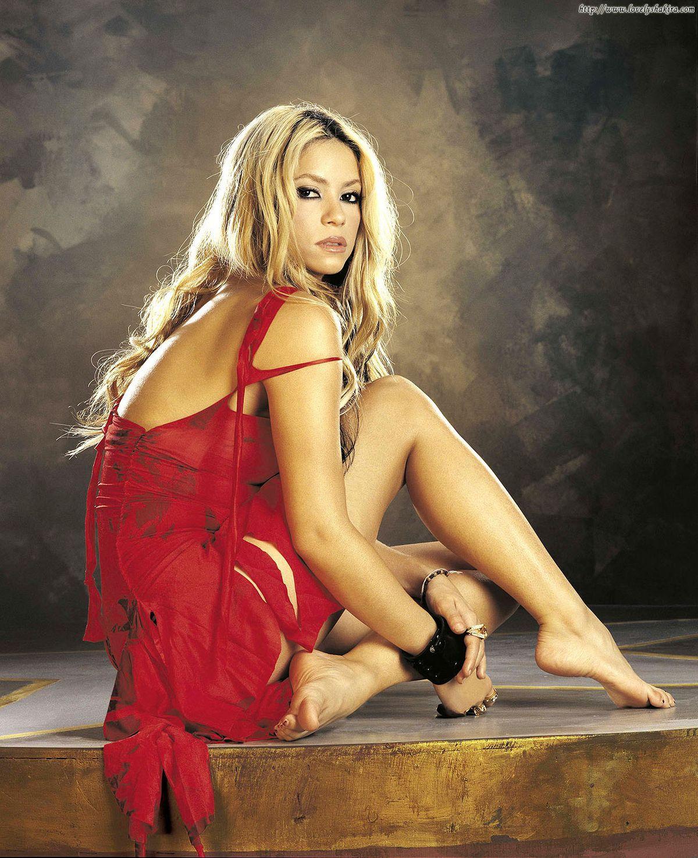 Shakira Foot