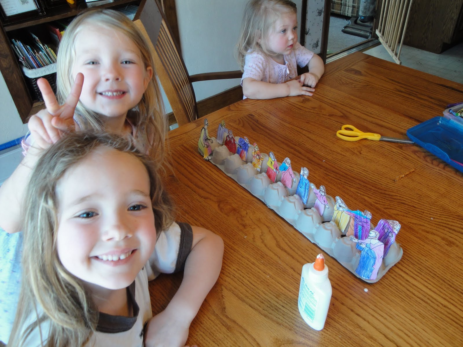 For Our Holy Thursday Art Class We Created A Last Supper Craft Using The Template From Catholic Icings Blog And Two Egg Cartons Kids Each Colored