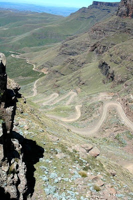 Road connecting Sani pass