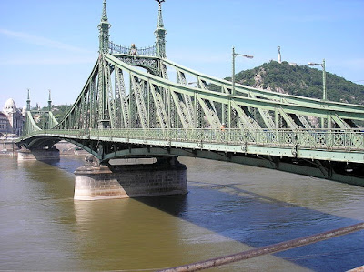 Independence bridge