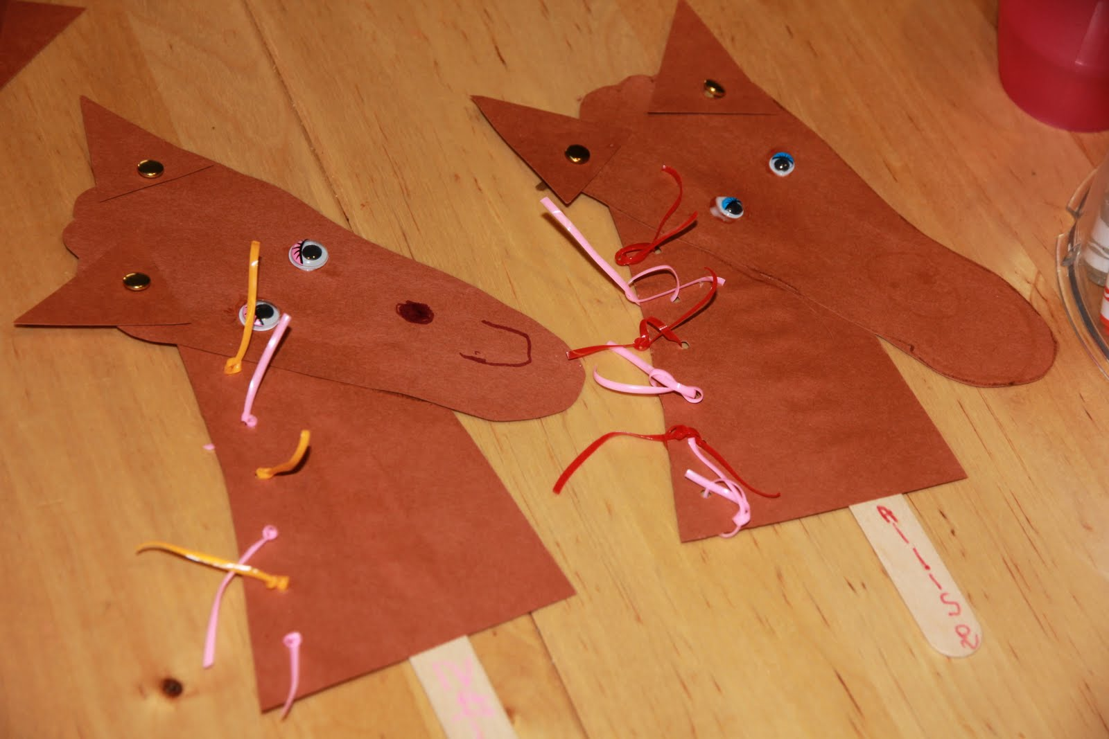 Livin 39 the yeh life horse foot craft for Horse crafts for kids