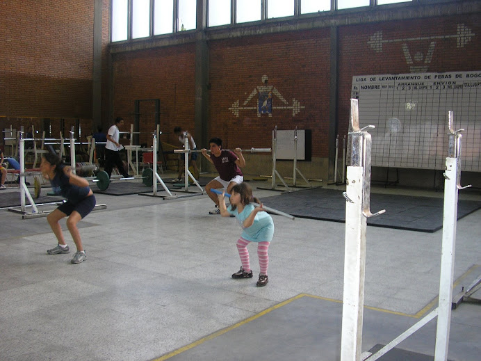 Little Gwen doing workout with new lifters