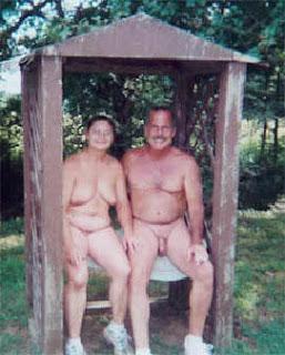 http://2.bp.blogspot.com/_w015sgOfUQc/RslNZ5yf-lI/AAAAAAAAA08/FjEA66L38mk/s320/nudismo2.jpg