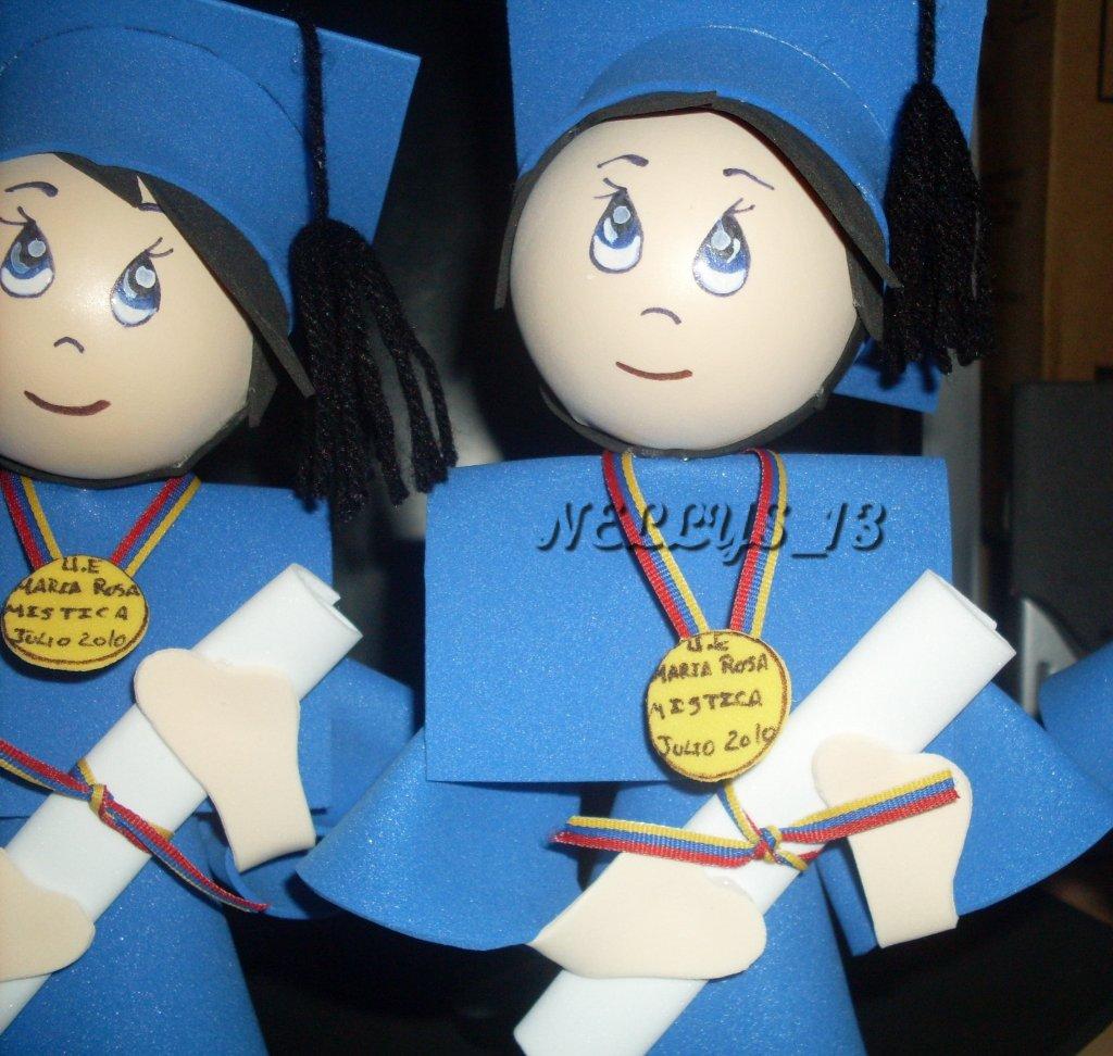 Las muñecas de Nellys...magia y encanto en foami.: Graduados en foami