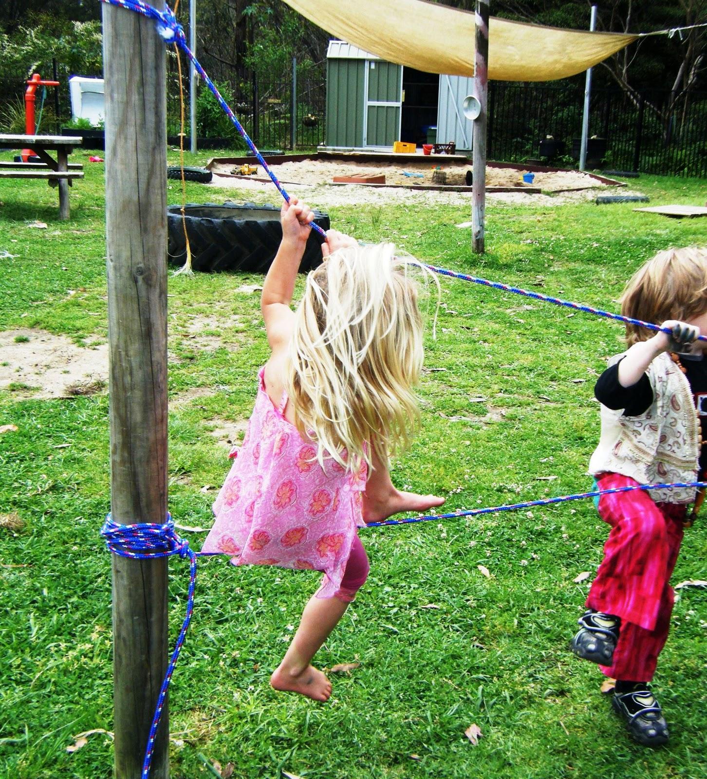 Backyard Rope Bridge let the children play: building a rope bridge