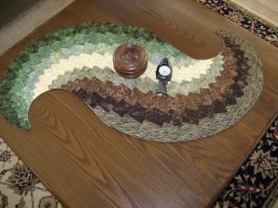 Antique Circles: FREE Table Runner Quilt Pattern