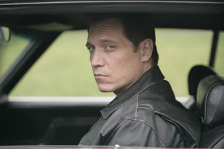 Holt McCallany in Lights Out... come on, don't you see a little Smits there?