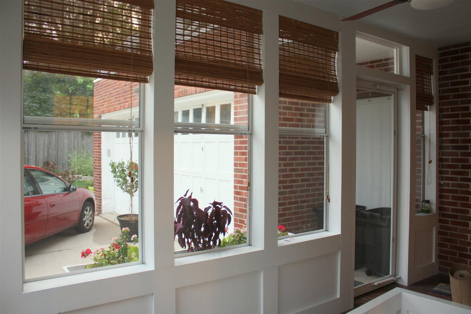 Russet street reno lookin shady for Porch window ideas