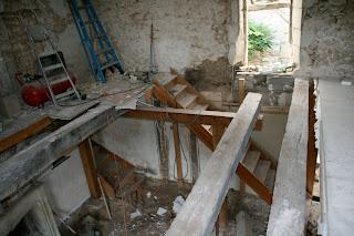 De 400kw m2 vers 50kw m2 d montage de l escalier reprise de la tr mie - Escalier milieu de piece ...