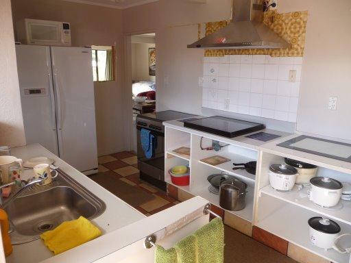 Un poco de la cocina de la casa (casucha) de Tauranga