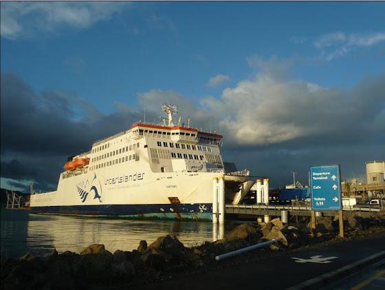 Así luce el ferry que tomamos allí en Wellington