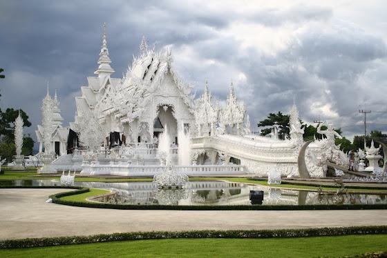 Así se ve el famoso White Temple en Chiang Rai