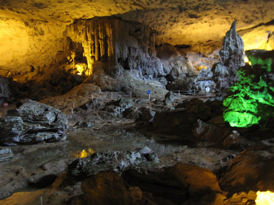 Cuevas en Ha Long Bay