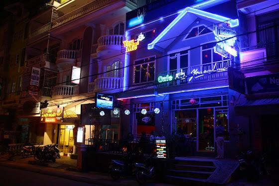 Algunos de los pubs en Dalat