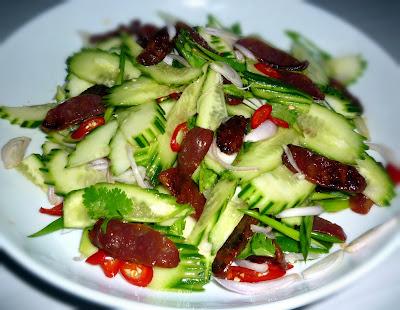 3 hungry tummies: Yum Koon Chiang ยำกุนเชียง Chinese Sausage Salad