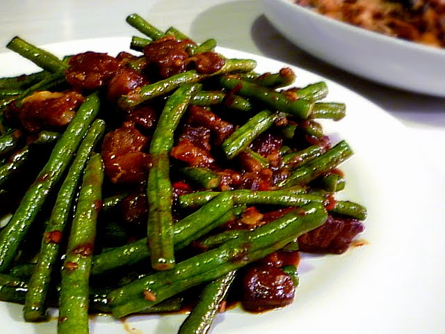 Spicy Yard Long Bean With Crispy Pork Belly 香辣豆角五花肉