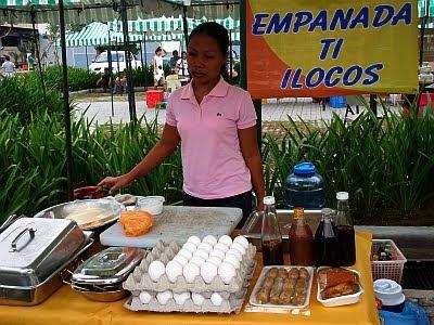 empanada ti ilocos centris weekend market