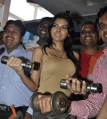Sheryln Chopra launches Bigadda Get Fit India