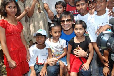 Vivek Oberoi at Vallabdas Dagra Indian Society Children Event