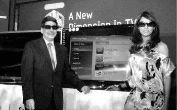 Bipasha Basu at the launch of Samsung 3D LED TV