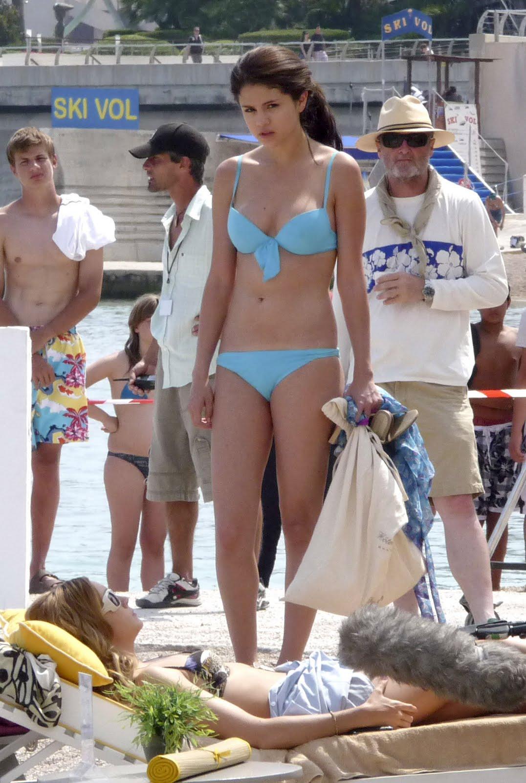http://2.bp.blogspot.com/_w6co7oQVbqU/TDRdXTlmU8I/AAAAAAAAC-A/dKypq14FiW4/s1600/05227_selena_gomez_bikini_monte_carlo_19_122_14lo.jpg