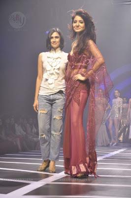 Anushka Sharma at Rina Dhaka show