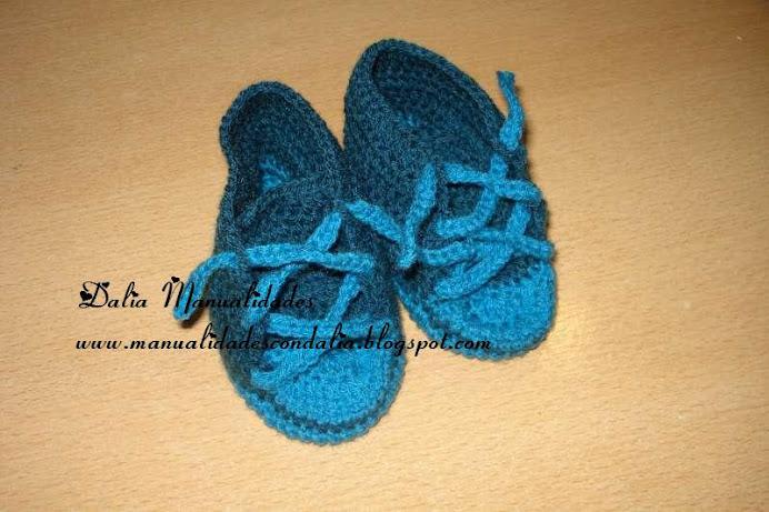 zapatillas de bebe en azul y celeste
