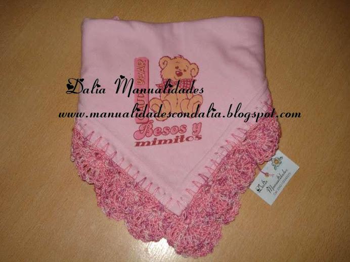 manta de bebé en algodón con puntilla