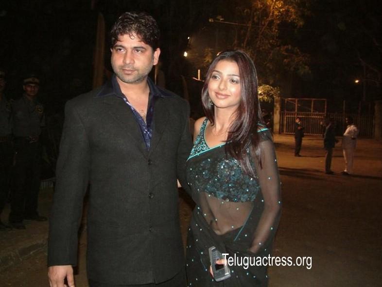 , Bhoomika Chawla in Transparent Saree