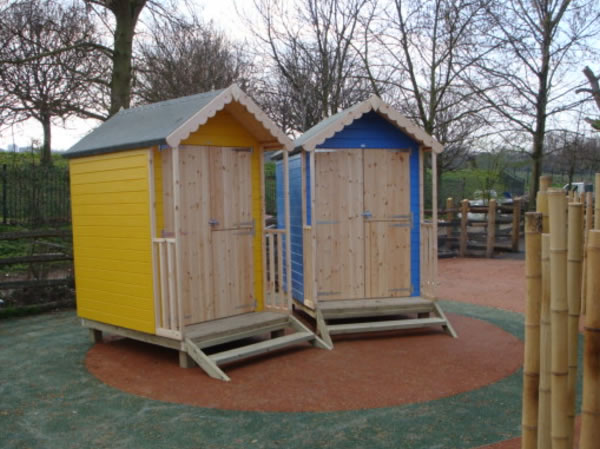 Shedworking beach hut for bank holiday monday for Small garden huts