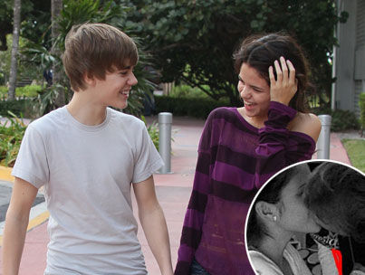 selena gomez justin bieber kiss video. selena gomez and justin bieber
