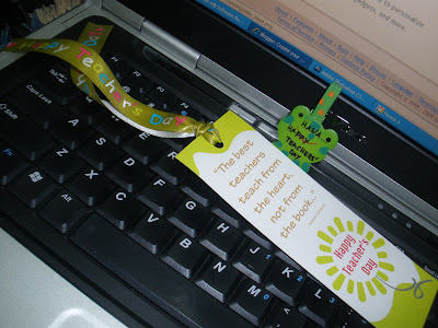 bookmark yg ada reben yg sangat chantek and wood clip frog shape