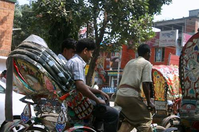 image of rickshaws at a standstill