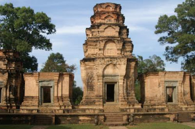 Image of Prasat Kravan, consecrated in 921 and built in the reign of Harshavarman I (915-923)